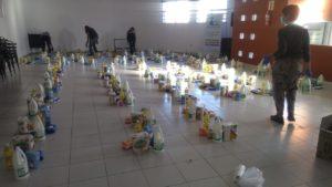 Organizaciones sociales de Río Cuarto, cooperativas de trabajo y gremios realizaron una colecta para distribuir a los sectores más afectados por la pandemia del Covid-19. Acopiaron alimentos en Asociación Gremial Docente AGD y serán distribuidos este fin de semana.